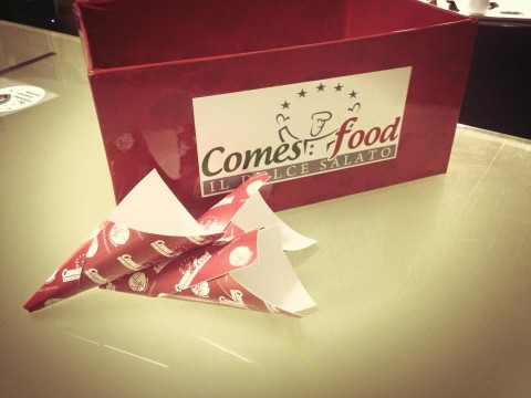 Packaging Comes Food